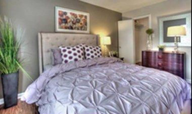 Bedroom at Listing #138475