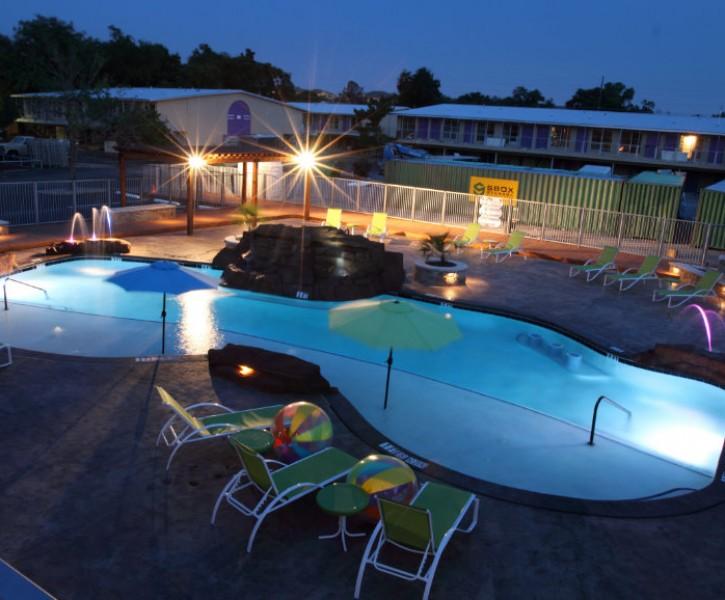 Pool at Listing #137543