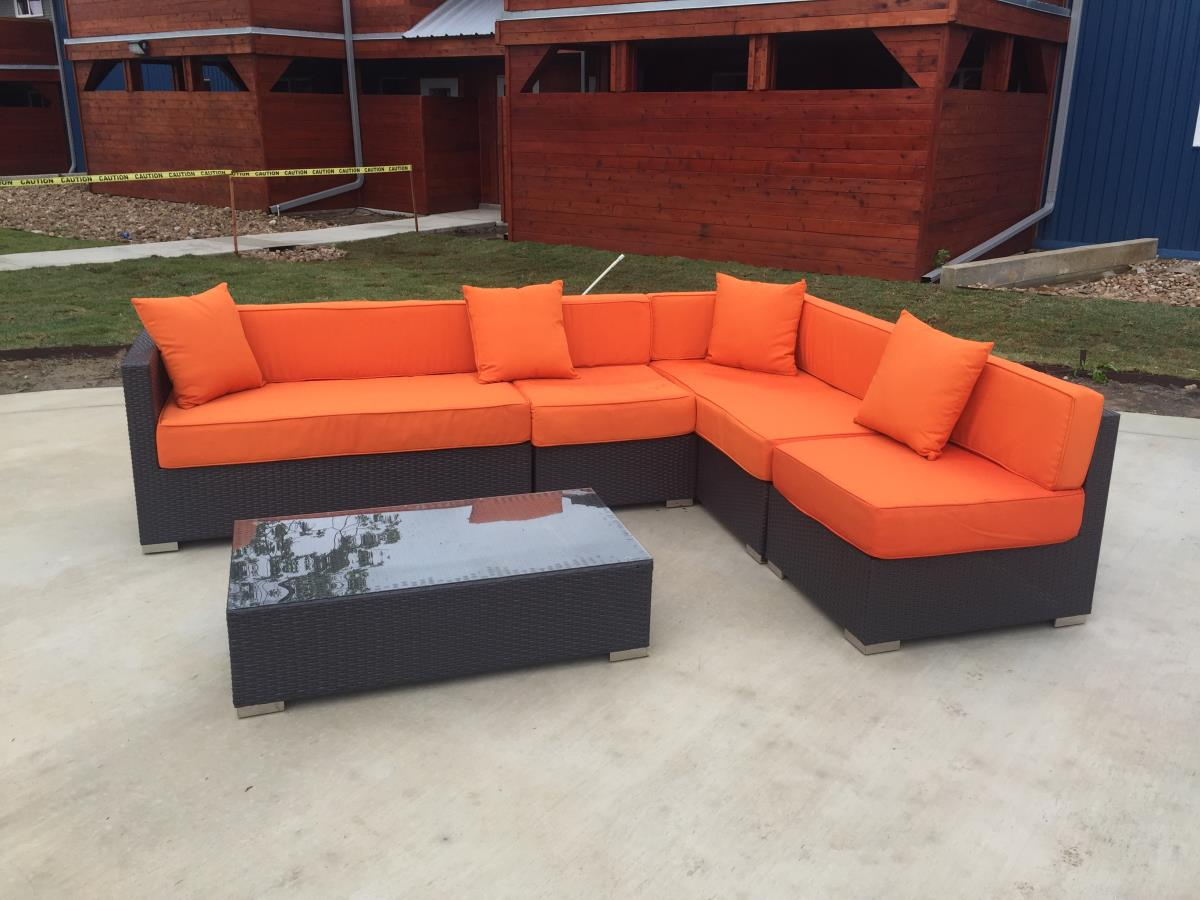 Lounge at Listing #141033