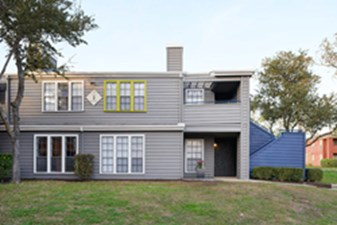 Exterior at Listing #141318