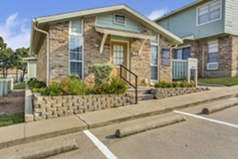 Exterior at Listing #136969