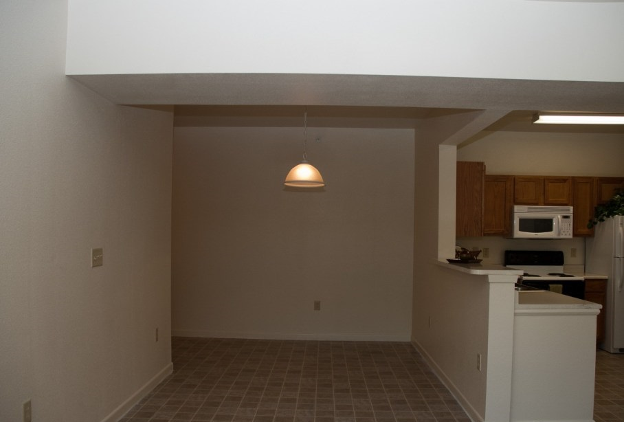 Dining at Listing #144500