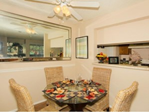 Dining at Listing #140914