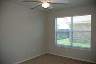 Bedroom at Listing #144119