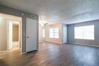 Living at Listing #292646