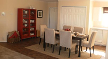 Dining at Listing #151605