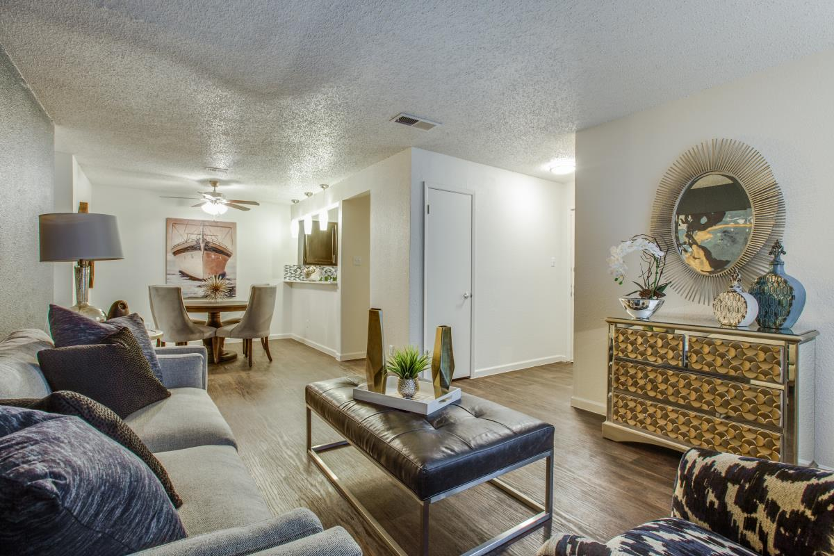 Living/Dining at Listing #136874