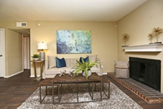 Living Room at Listing #135925