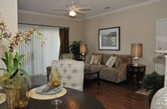 Living at Listing #150787