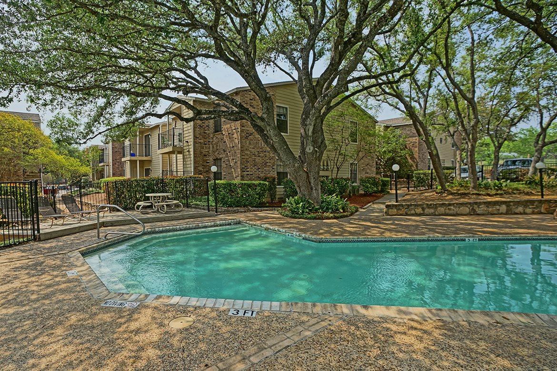 Hollows Apartments San Antonio TX