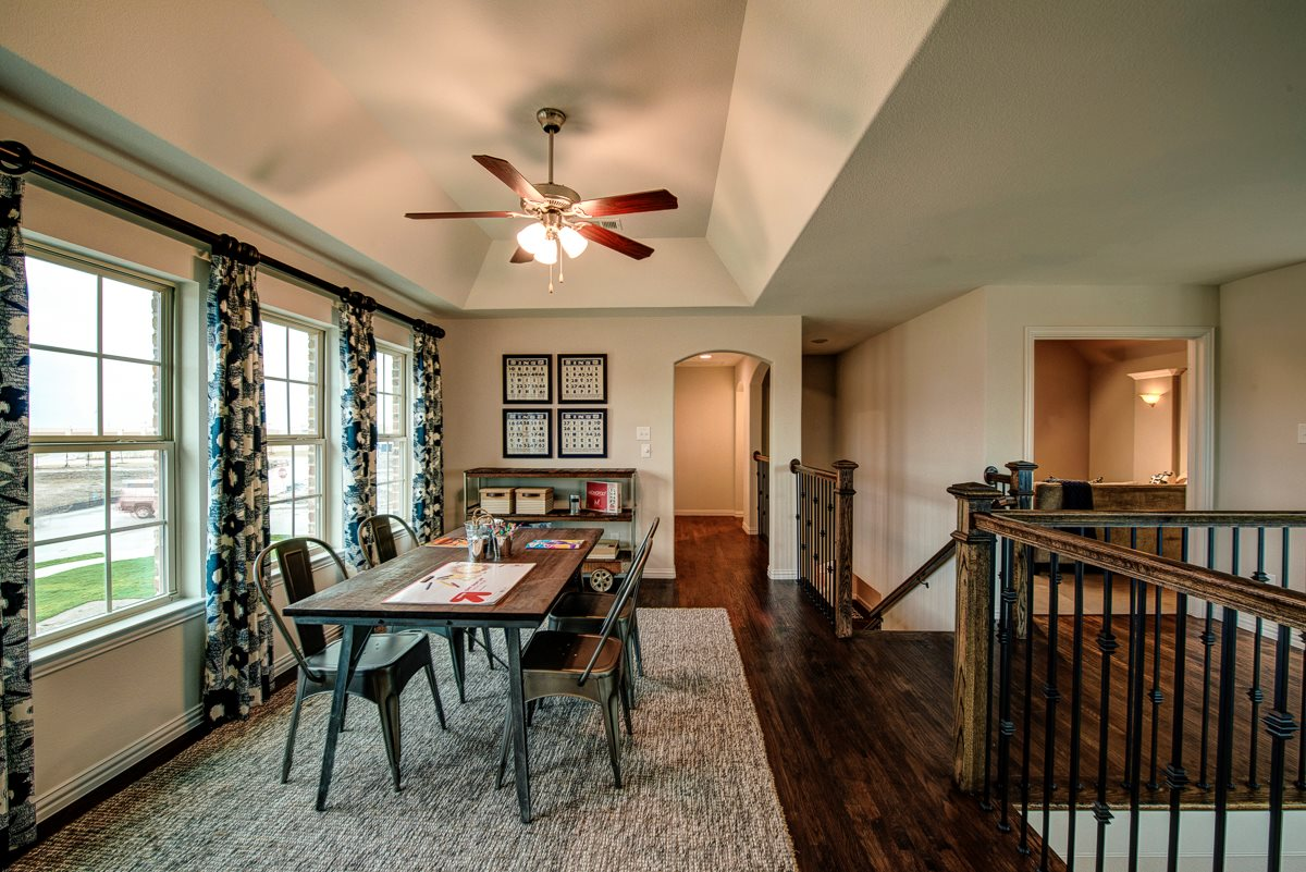 Dining at Listing #298168