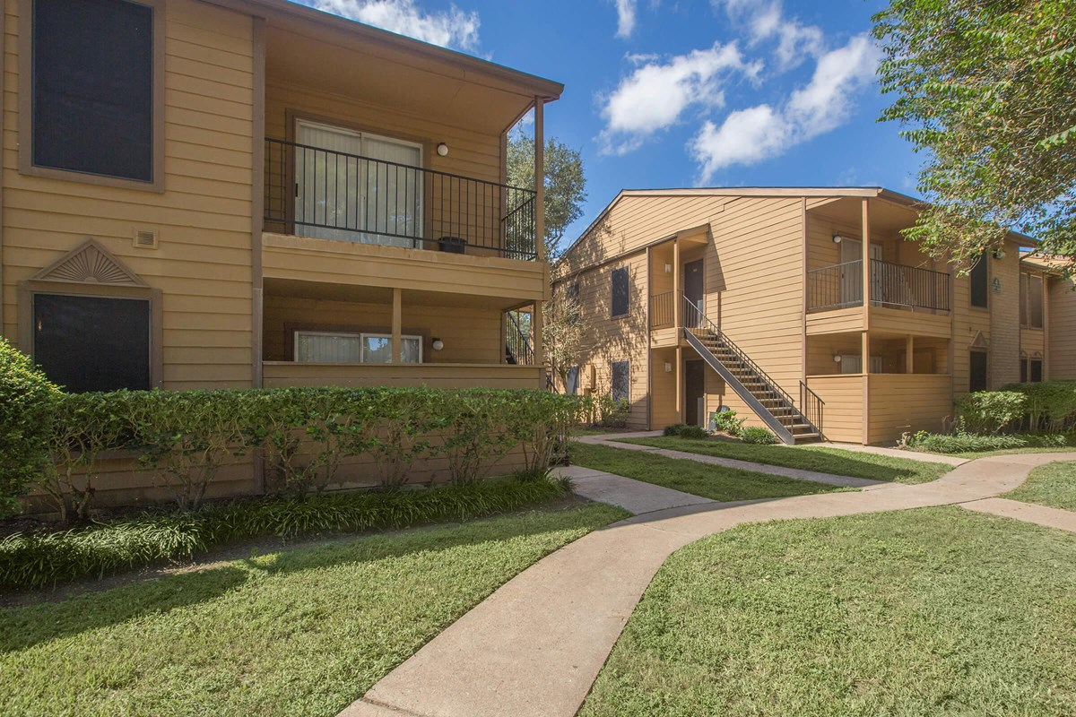 Exterior at Listing #138650
