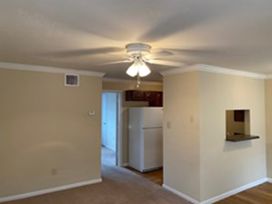 Living Area at Listing #212001