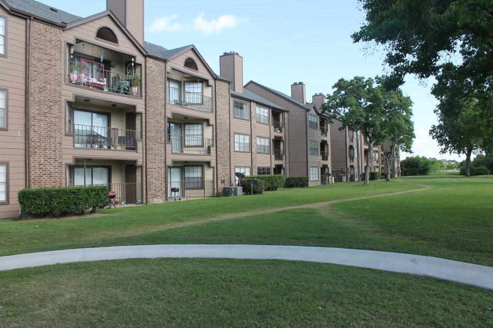 Reserve at Windmill Lakes Apartments Houston TX