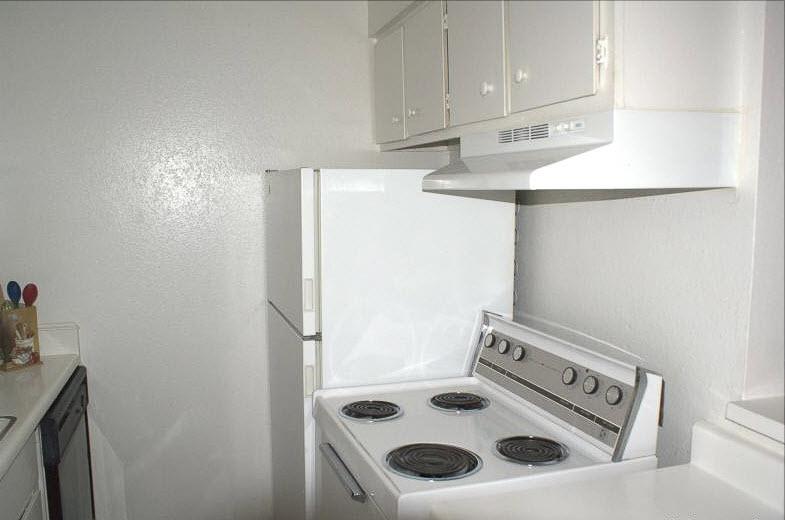 Kitchen at Listing #138833