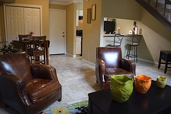 Living Area at Listing #141418