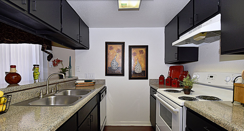 Kitchen at Listing #139208