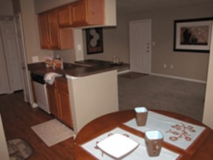 Dining at Listing #143471