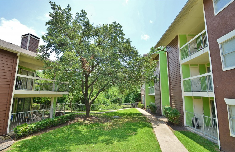 Lake Highlands Landing Apartments Dallas TX