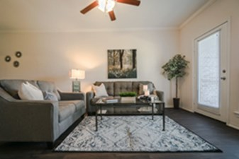 Living Room at Listing #152854