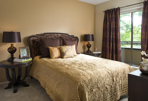 Bedroom at Listing #136459
