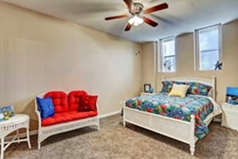 Bedroom at Listing #214223