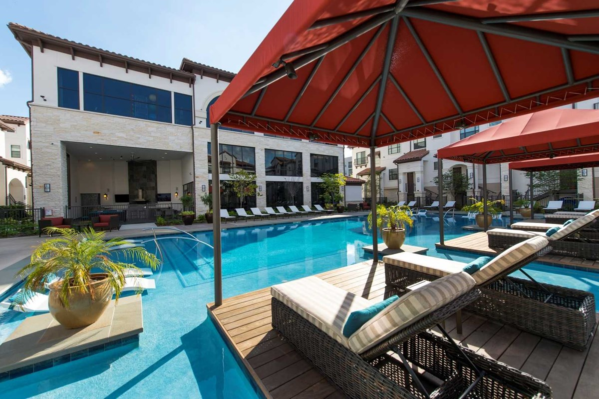 Pool at Listing #281187