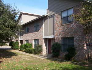 Exterior 3 at Listing #136956
