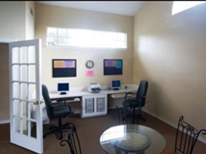 Business Center at Listing #139955