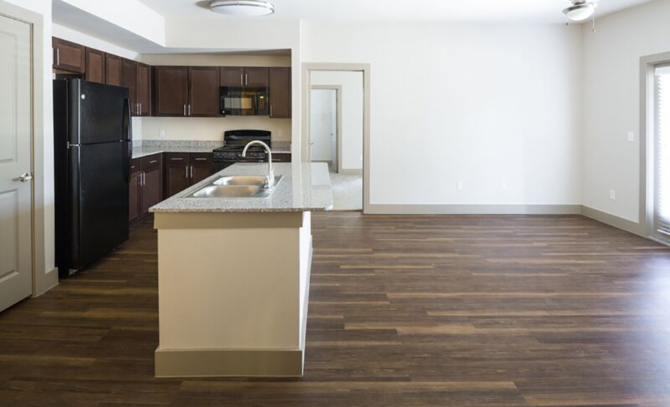 Living/Kitchen at Listing #281521