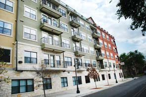 Block on 25 West Apartments , TX