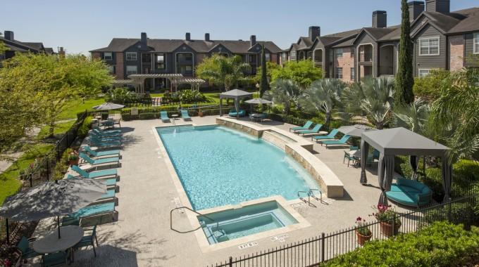 Pool at Listing #140011