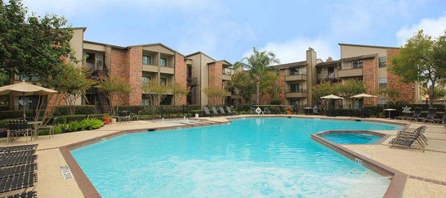 Pool at Listing #138930