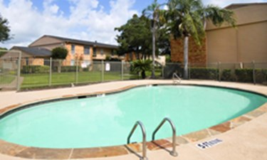 Pool at Listing #138400