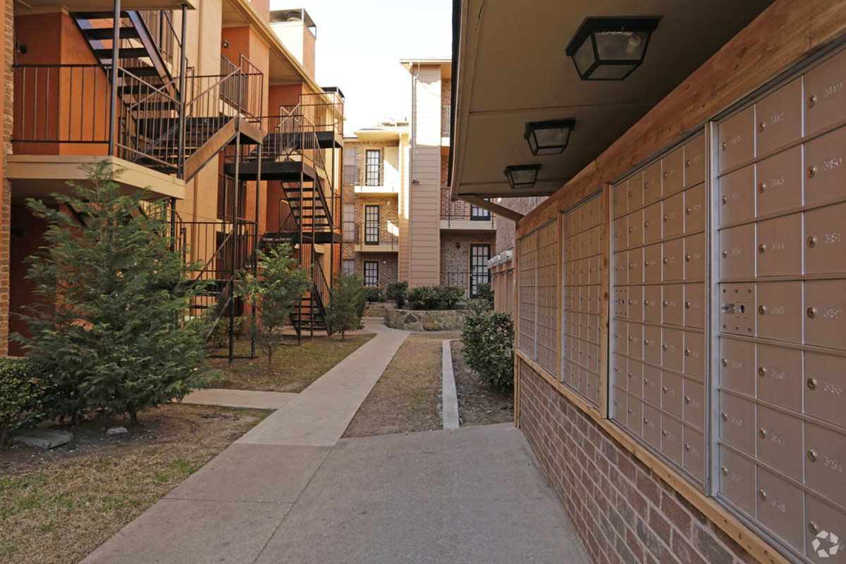 Exterior at Listing #135704