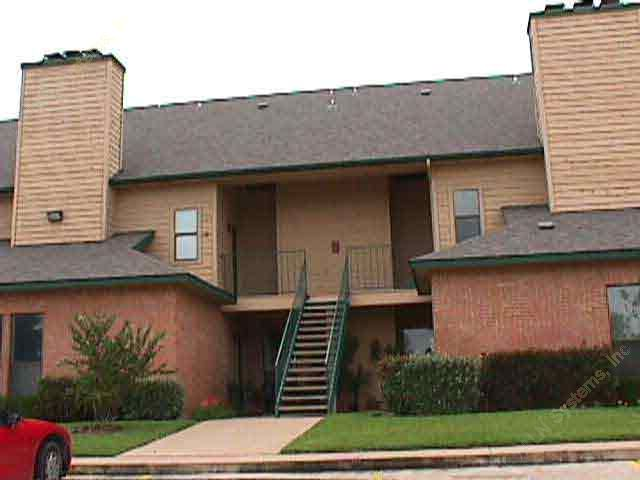 Exterior 4 at Listing #137214