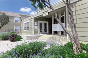 Exterior at Listing #141113