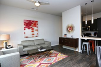 Living at Listing #293670