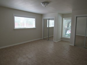 Bedroom at Listing #137560