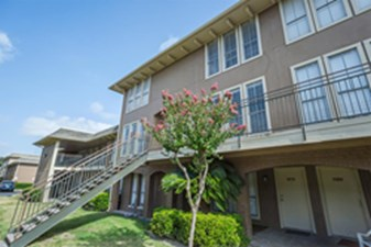 Exterior at Listing #139830