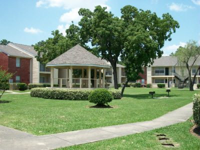 Willow Tree Apartments Baytown, TX