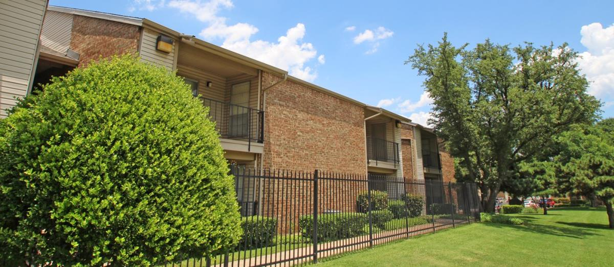 Exterior at Listing #136242