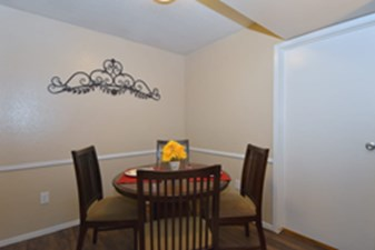 Dining Room at Listing #138509