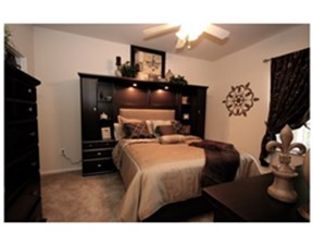 Bedroom at Listing #140165