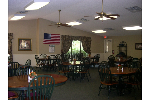 Dining at Listing #140037