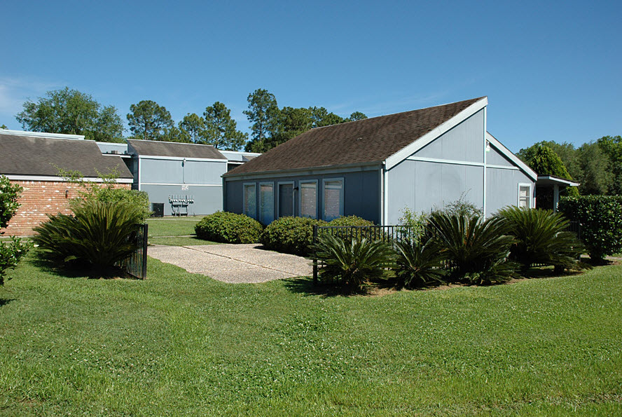Exterior at Listing #255584