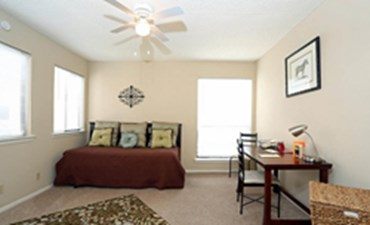 Bedroom at Listing #140235