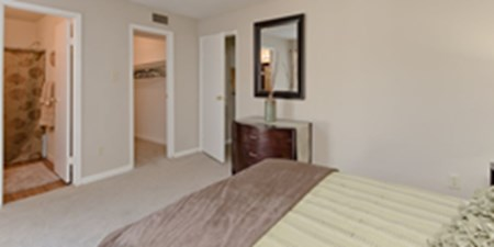 Bedroom at Listing #138648