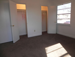 Bedroom at Listing #136172