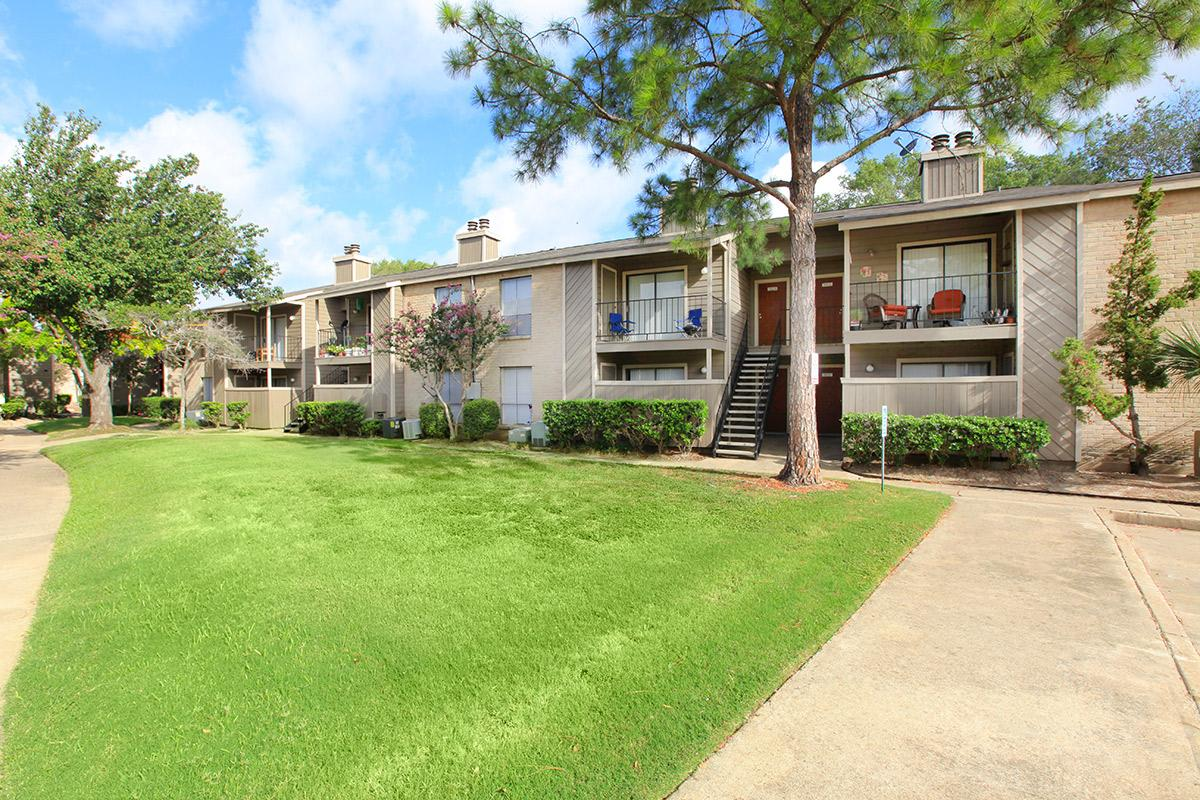 Exterior at Listing #138915
